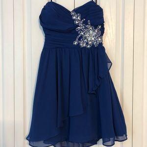 B. Darlin blue short formal dress